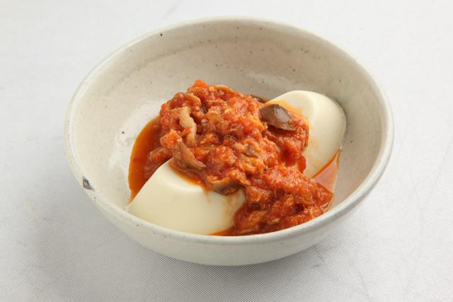 ツナとシメジのトマトソースカレー風味